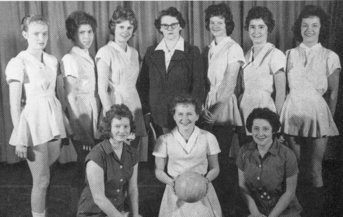 (Click to magnify) FRONT ROW: Irene Salmon, Karen Pickering, Gail Foote; BACK ROW: Gail Bell, Leslie Prentice, Donna Ken