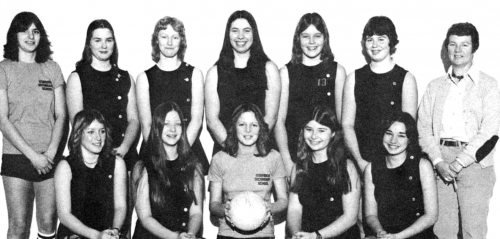 (Click to magnify) FRONT ROW: Louise Hockley, Barb Rowe, Cathy Moore, Luanne Blackburn, Terri Markell; BACK ROW: Lizette