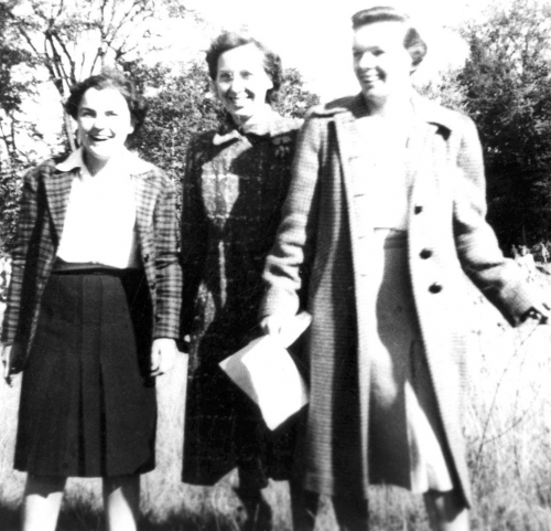 1943 - Mary Winchester, Carrie McQuade, Clair Walsh  (Click to magnify)