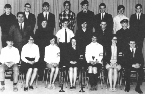(Click to magnify) Front Row: B. Paul, M. Hackner, S. Grimshaw, C. Hall, B. Bookham, B. Brunne, E. Clark; ***Middle Row: