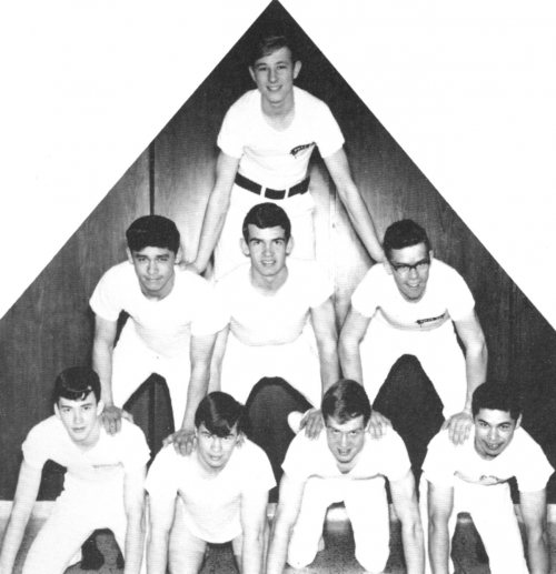 (Click to magnify) ... BOTTOM ROW: B. Norrish, Brian Munro, K. Elford, R. Eng; MIDDLE ROW: H. Eng, G. Elford, P. Hulshof