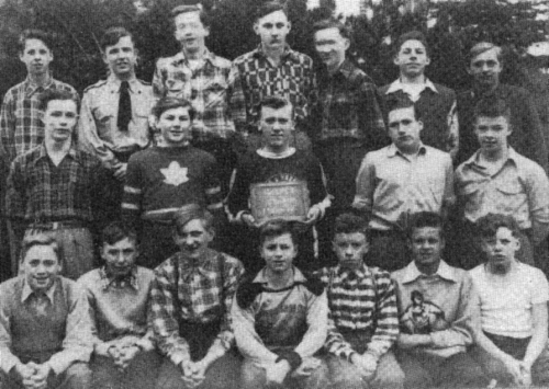 (Click to magnify): FIRST ROW: D. Noble, H. MacDonald, A. Maye, B. Bishop, J. Hill, J. Harris, E. Savage; SECOND ROW: S.