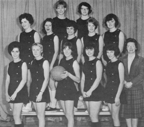 (Click to magnify) FRONT ROW: M. Clark, Nancy Bernhardt, Joan Hickling (captain), J. Campbell, D. McGillivray, Mrs.Joyce