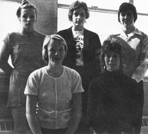 (Click to magnify) Marginal quality original photo. FRONT ROW: Denyse Arnold (vice), Jane Kydd (skip); BACK ROW: Val McD