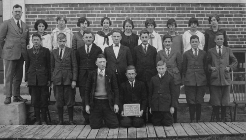Original photo courtesy of Uxbridge Museum ... (Click to magnify) FRONT ROW: Charlie Malone, Alban Graham, Gordon King;