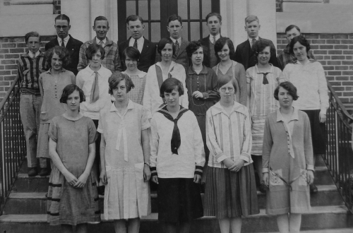 Original photo courtesy of Uxbridge Museum ... (Click to magnify) ... FRONT ROW: Muriel Huffman, Gladys Feir, Irene Norw