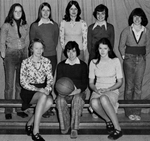 (Click to magnify) FRONT ROW: Denyse Arnold, Susan Kester, Joyce Ferguson; BACK ROW: Terry Ryan, Brenda Arnold, Laurie B