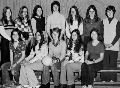 (Click to magnify) FRONT ROW: Lisa George, Terry Nilsson, Lois Fawns, Diane Risebrough, Luanne Blackburn; BACK ROW: Barb