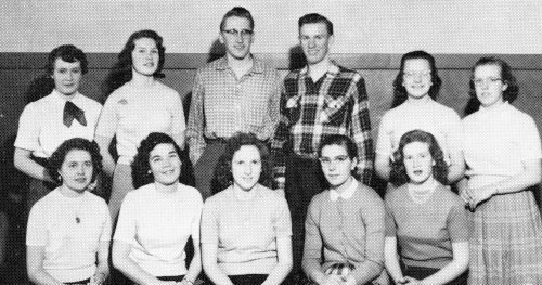 (Click to magnify) FRONT ROW: M. Smalley, A. Menar, G. Wagg, L. Maye, S. Drummond; BACK ROW: P. Hall, N. Drummond, G. No