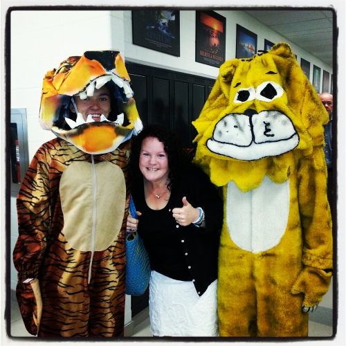 (Click to magnify) New tiger (left), old tiger (right) and Jennifer Crothers in the middle.